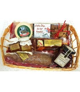 Caja San Valentin transparente: Chocolates, paté, vino, tabla embutidos, cava